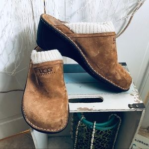 UGG Slip-on mule, shearling lined, suede